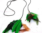 Colares de penas, feather necklaces