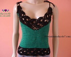 Blusa verde e preta