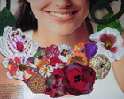 Colar &quot;Brincando com flores&quot; (vendido)