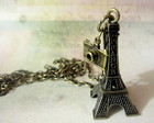Colar &quot;Viagem em Paris!&quot;