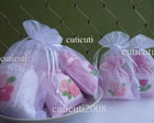 Saches  florzinhas embalado em organza