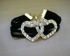 Pulseira de couro com corao de strass