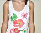 Camiseta  -   Flores Chita e Botes