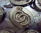 Medalhões dourados Alianças - Chocolates
