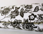 Bolsa Baguete black flowers