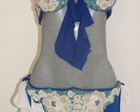 Conjunto branco e azul