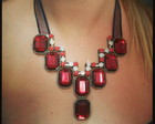 Red Bib Necklaces - Maxi Colar