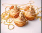 colar cupcake de baunilha/ doce de leite