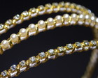 Tiara strass dourado&prolas