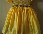 vestido amarelo e preto