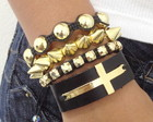 Kit crucifixo, spike e strass dourado