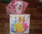 Caneca com caixa princesas