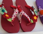 Sand�lias havaianas decoradas