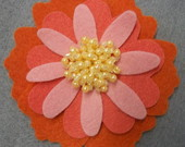Broche flor com prolas 12