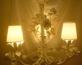 Lustre infantil com flores