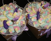 Buqu� de marshmallows roxo