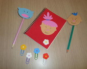 Kit caderno, clips e l�pis