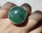 Anel prata950  cabochon de quartzo verde