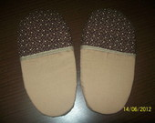 PANTUFA OU CHINELO DE QUARTO.