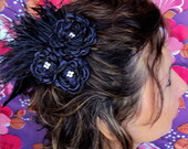 Arranjo Ccile Noir plumas e strass