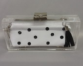 Clutch acrilica black and white