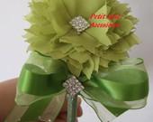 Tiara flor pontuda com laçarote e voal