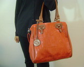 MAXI BOLSA LARANJA COM LETRAS