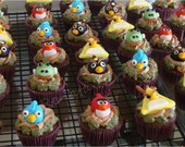 Angry Birds cupcake