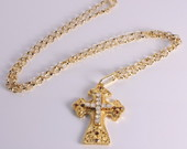 Colar Crucifixo com Strass