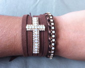 Kit Pulseiras Crucifixo/Strass Marrom