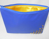 Clutch azul com spikes