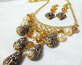 MAXI COLAR ANIMAL PRINT DOURADO