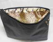 Clutch Black com tachas