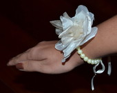 Corsage com prolas