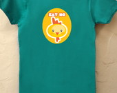 Camiseta Babylook Eat No Chicken Verde