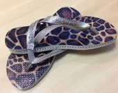 Chinelo Animal Print com strass