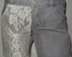 Lindo Shorts Customizado com Renda