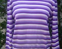 Blusa listrada com gola rol�