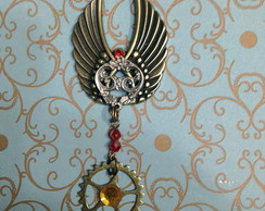 Broche Wings of revolution