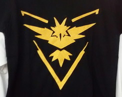Camiseta Team Instinct Pokemon Go