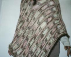 Poncho em trico manual