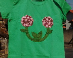 Camiseta patch apliqu� floral