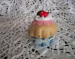 Cupcake caramelo com morango