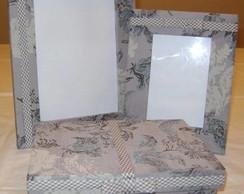 Kit com 2 porta-retratos e 1 caixa