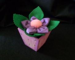 Cachep� com florzinha
