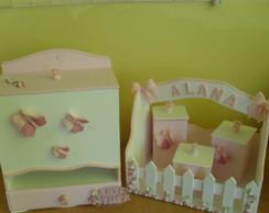 Conjunto de beb� frald�rio e cesta higie