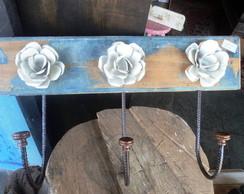 cabide demoli��o com rosas de chapa