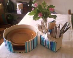 conjunto de suporte para pratos e talher