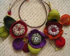 "Colar ""As tr�s flores"""