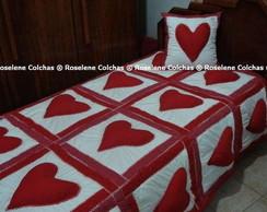 COLCHA EM PATCHWORK DE CORA��O SOLTEIRO.